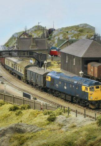 Landelijk Schots station in 00